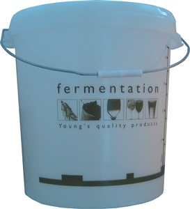 Woodshield Fermentation Bin (bucket) with Lid and Scale 33 litre